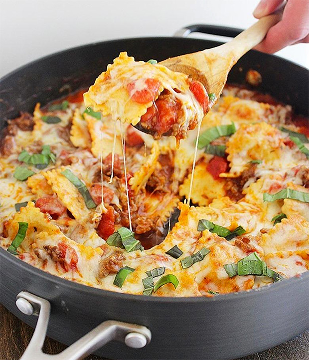 Cheesy Ravioli and Italian Sausage Skillet at werd.com