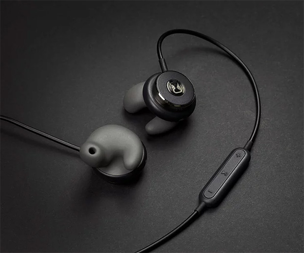 Revols Custom-Fit Wireless Earphones at werd.com
