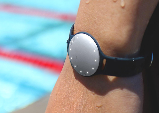 Speedo Shine by Misfit at werd.com