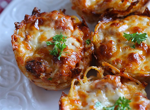 Spaghetti Pie Muffins at werd.com